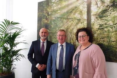 Volker Geyer, Andreas Westerfellhaus und Sandra van Heemskerk (v.l.n.r.). © dbb