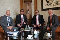 v.l.n.r.: Dr. Bernhard Langenbrinck, Marcel Philipp, Andreas Hemsing, Willi Russ (© Nadine Jungblut)
